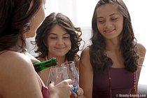 Los ADOLESCENTES: la BELLA los NIKKIES del VÍDEO TUBEPORN que POSEEN la VIRGEN de XXX PORNOPELÍCULAS - córneo, el modelo, el grito, incluyendo